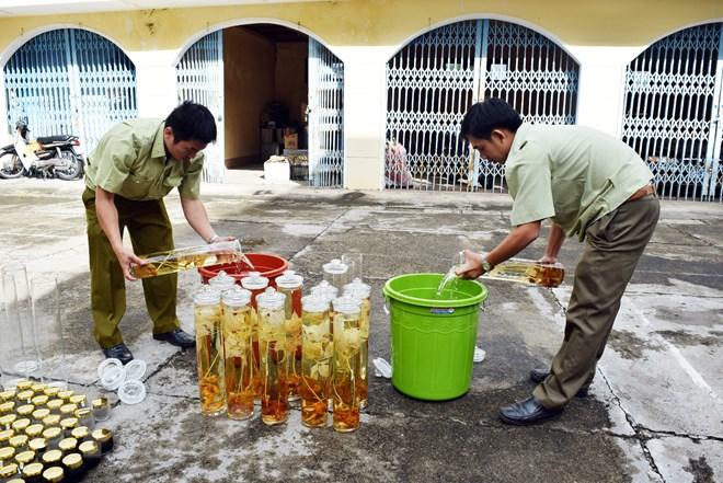 Nhận diện những loại rượu dễ gây ngộ độc cao dịp Tết Nguyên đán