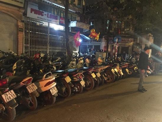 Hà Nội xử phạt gần 1 tỷ đồng các bãi giữ xe 'chặt chém' dịp Tết