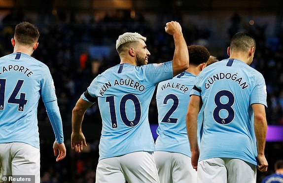 Man City 6-0 Chelsea: Man 'xanh' hủy diệt Sarri-ball