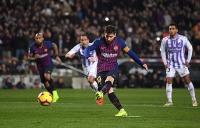 Barcelona 1-0 Valladolid: Quyết định trên chấm phạt đền