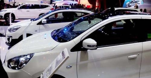 2019: Thời ế ẩm, ô tô tầm 700 triệu đồng giảm giá cực mạnh