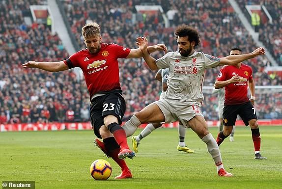 Man Utd 0-0 Liverpool: The Kop đòi lại ngôi đầu sau trận Derby nước Anh