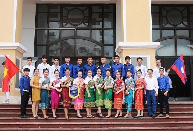"""Quan hệ Việt Nam - Lào: """"Tình sâu hơn nước  Hồng Hà - Cửu Long"""""""