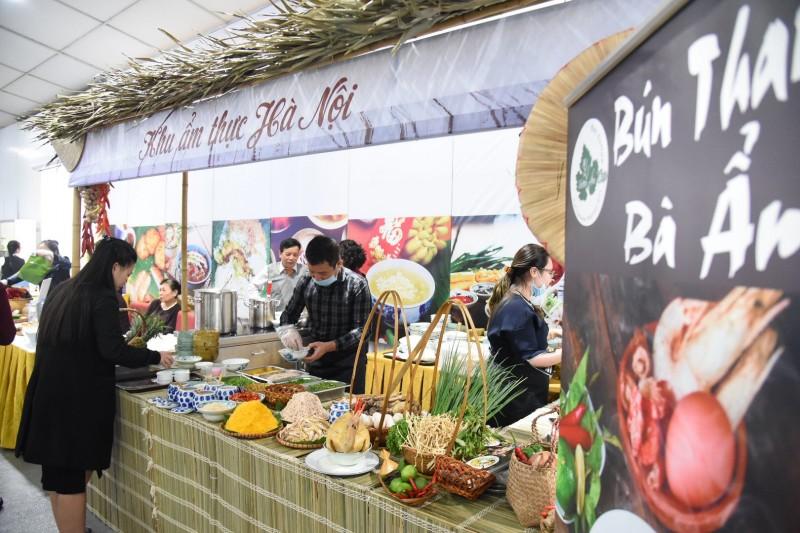 Ẩm thực Hà Nội chinh phục bạn bè quốc tế