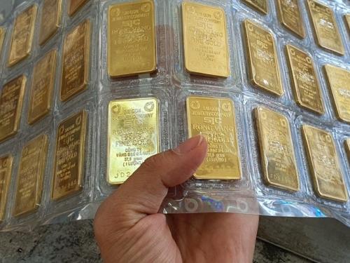 Nhu cầu mua tăng mạnh đẩy giá vàng lên cao