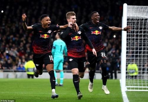 Tottenham 0-1 Leipzig: Mourinho hết phép, Spurs thất bại ngay trên sân nhà