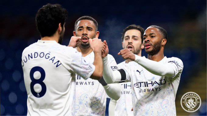 Sau vòng 22 Ngoại hạng Anh: Thành Manchester mở hội, Liverpool lại hụt bước