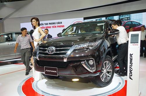 Tháng 2, Việt Nam nhập khẩu 9.000 xe ô tô