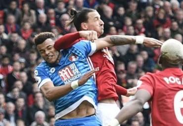 Trả đũa cầu thủ Bournemouth, Ibrahimovic đối mặt án phạt nặng?