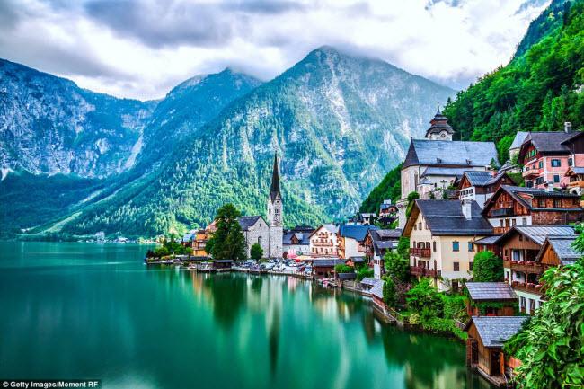 Những ngôi làng đẹp tựa cổ tích cho cô nàng mộng mơ