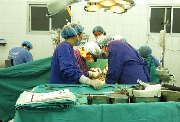 Tiến hành ca ghép tim cho em bé nhỏ tuổi nhất tại Việt Nam