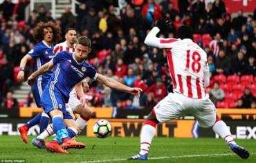 Cahill lập công chuộc tội, Chelsea giành trọn 3 điểm trước Stoke City