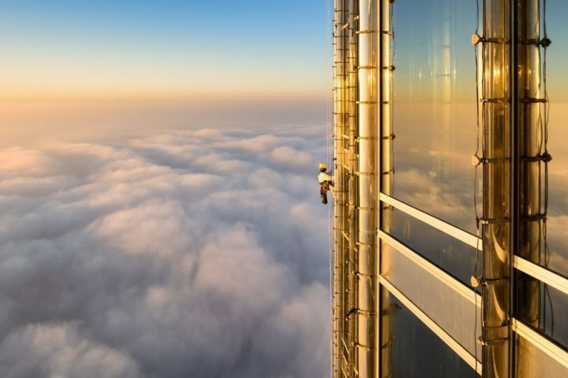 Ảnh đẹp trong tuần: Chênh vênh ở tòa nhà cao nhất thế giới