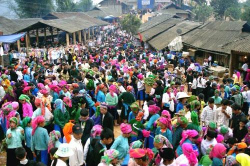 Lễ hội 'Chợ tình Khâu Vai' 2017