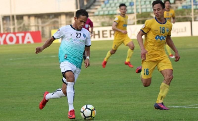 Tiến Dũng mắc sai lầm, Thanh Hóa thua ngược Yangon United
