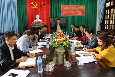 Đoàn giám sát HĐND huyện Quốc Oai làm việc với xã Thạch Thán