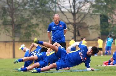 Đội tuyển Việt Nam lên đường chuẩn bị cho trận gặp Jordan