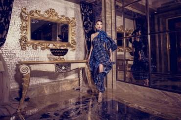 Hà Thu kiêu sa chụp ảnh thời trang trong khách sạn dát vàng