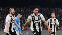 Napoli 1-2 Juventus: 'Bà đầm già' Tiến sát ngôi vương