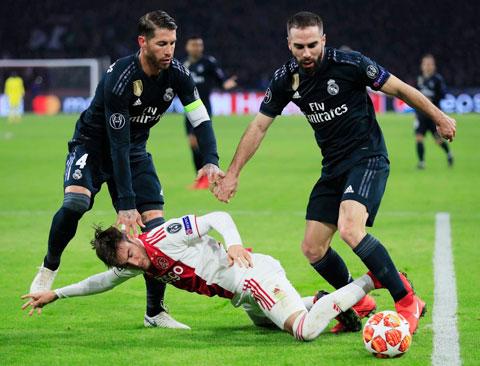 Real Madrid - Ajax Amsterdam: Bộ mặt nào của nhà vô địch?