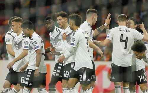Hà Lan 2-3 Đức: Rượt đuổi nghẹt thở, định đoạt phút bù giờ