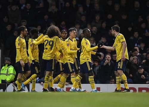Portsmouth 0-2 Arsenal: Vượt qua đối thủ hạng dưới