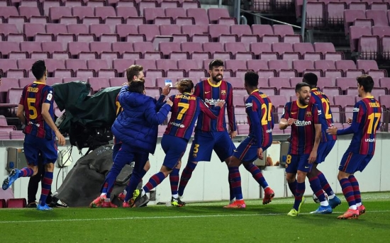 Barcelona 3-0 Sevilla: Ngược dòng kịch tính