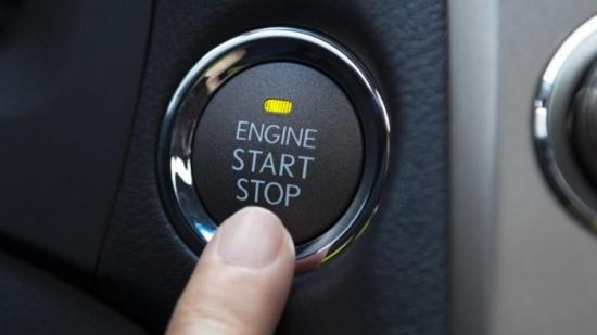 Nhấn nút khởi động lúc ôtô đang chạy, bạn sẽ gặp phải những vấn đề gì?