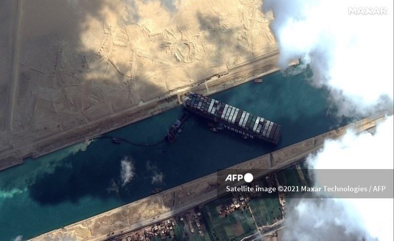 Siêu tàu đã được giải cứu thành công. Ảnh: AFP