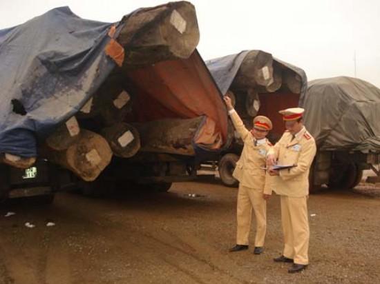 Thanh Hóa: CSGT xử lý quyết liệt xe quá khổ, quá tải
