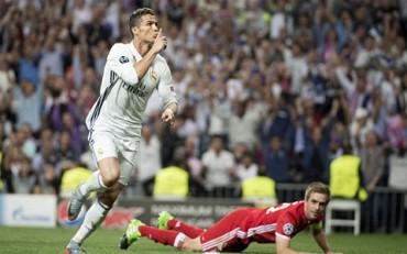 Real Madrid 4-2 Bayern Munich: Không thể cản CR7