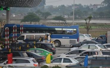 Trạm thu phí phải mở barie khi xảy ra ùn tắc