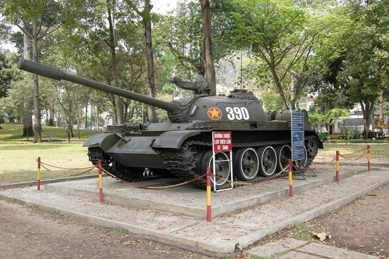 Gặp pháo thủ số 1 xe tăng húc đổ  cổng Dinh Độc Lập