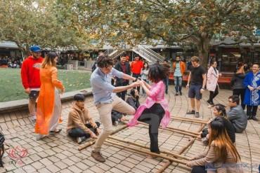 Tưng bừng lễ hội văn hóa Việt Nam của du học sinh tại Melbourne