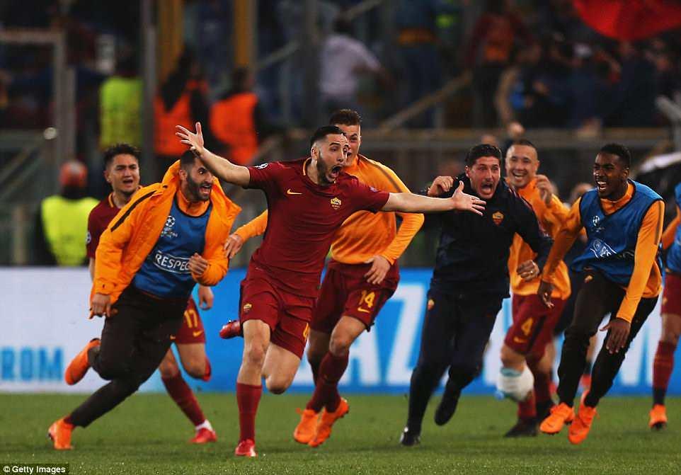 AS Roma 3-0 Barcelona: Địa chấn ở Olimpico