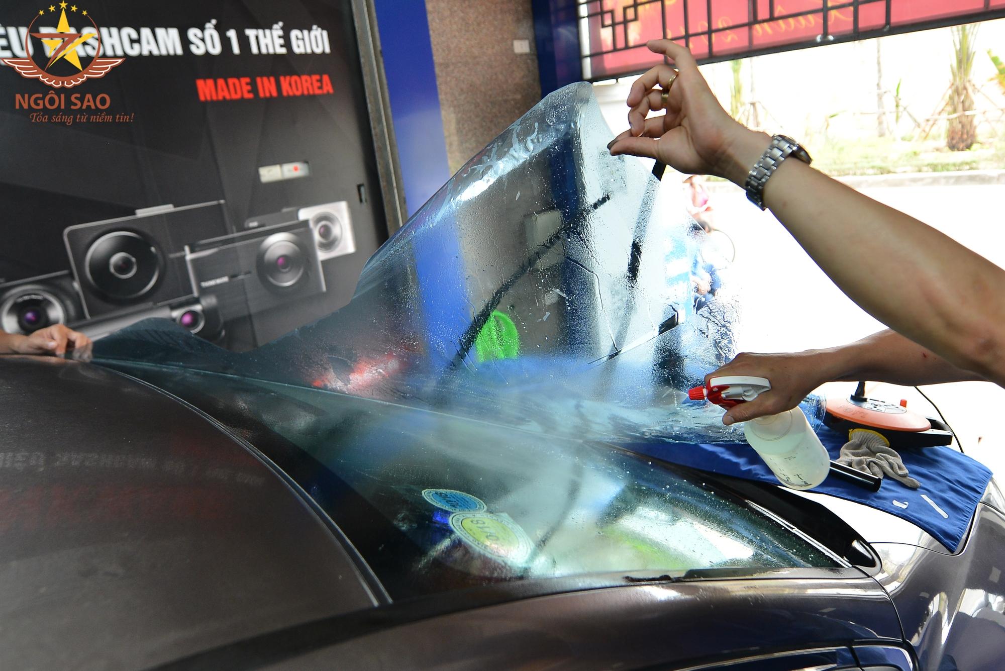 Các lưu ý dán kính cách nhiệt ô tô để không bị