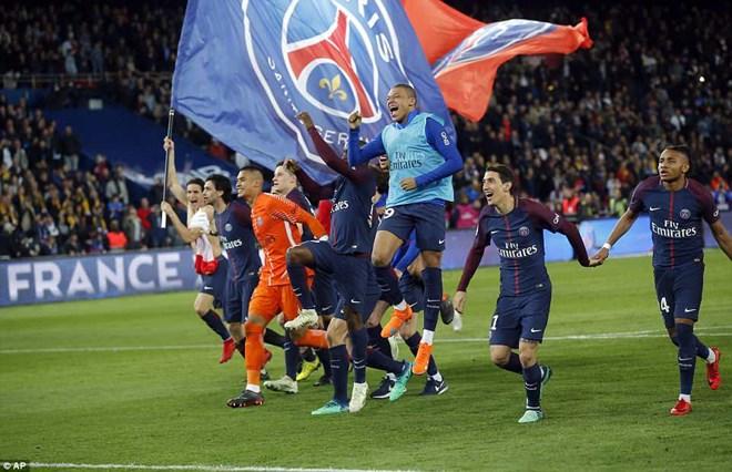 'Hủy diệt' Monaco, PSG lên ngôi Ligue 1