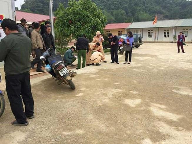 Giáo viên lùi ô tô trong sân trường, 1 học sinh tử vong