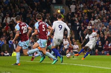 Burnley 1-2 Chelsea: Nhen nhóm hy vọng Top 4