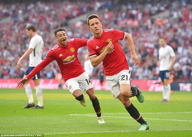 """Man Utd 2-1 Tottenham: """"Quỷ đỏ"""" ngược dòng vào chung kết FA Cup"""