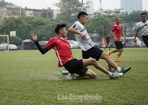Xác định hai đội bóng xứng đáng có mặt ở trận Chung kết