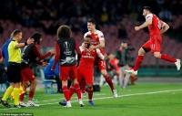 Napoli 0-1 Arsenal: Lacazette lập siêu phẩm đưa 'pháo thủ' vào bán kết