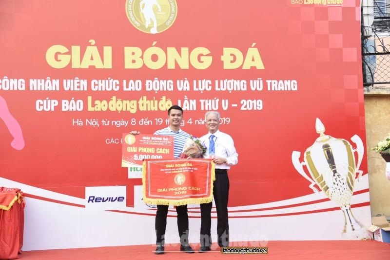 be mac giai bong da cnvcld va llvt cup bao lao dong thu do lan thu v 2019