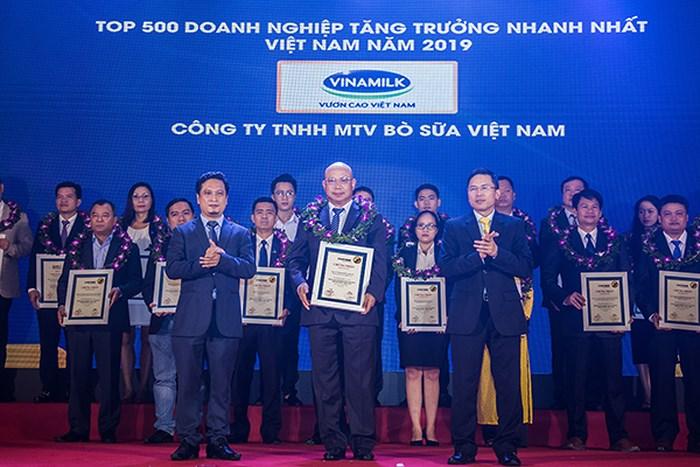 Công ty bò sữa Việt Nam lọt vào Top tăng trưởng nhanh nhất Việt Nam