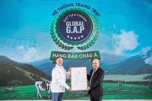 """Người tiêu dùng hưởng lợi từ những """"Resort"""" bò sữa chuẩn Global G.A.P của Vinamilk"""