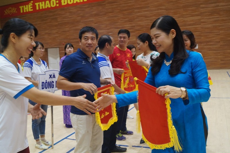 Huyện Thanh Trì: Khích lệ tinh thần hăng say lao động