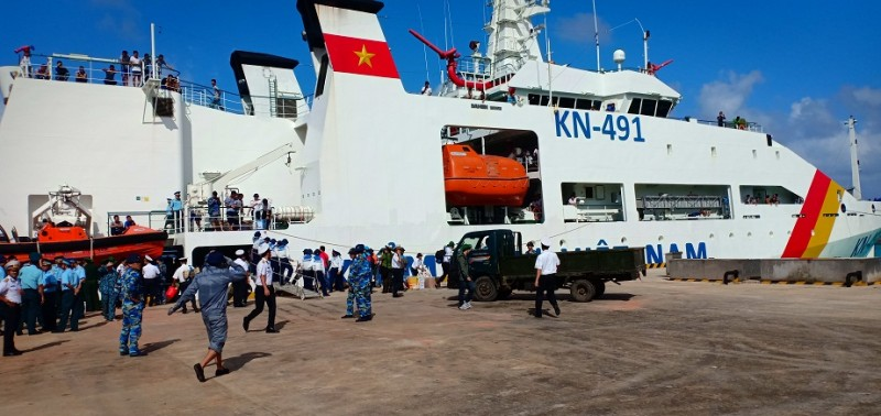 Những anh nuôi trên tàu KN 491