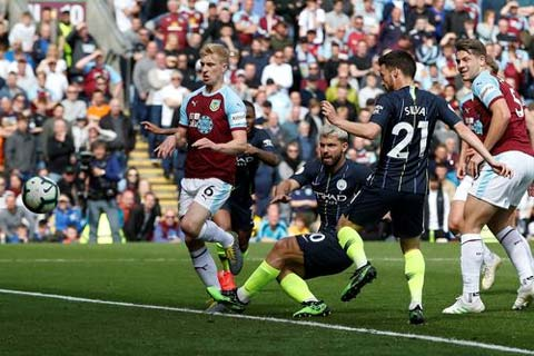 burnley 0 1 man city tien them mot buoc toi ngoi vuong