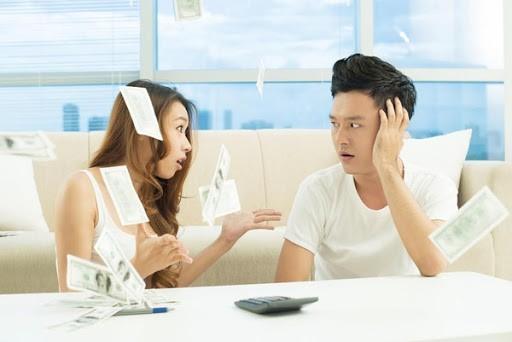 Đàn ông dễ bị stress khi vợ kiếm được nhiều tiền hơn mình