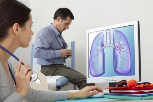 Giọng nói thay đổi là dấu hiệu cảnh báo ung thư phổi
